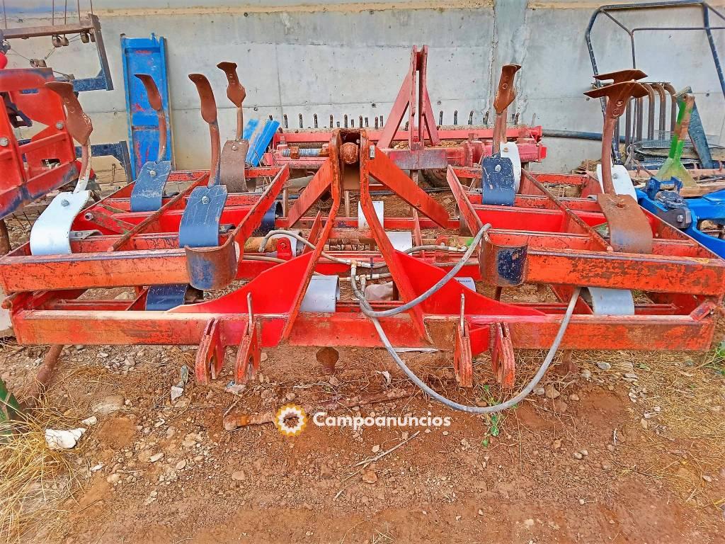 Vibrocultivador 4m 3f rodillo y rastra en Lleida